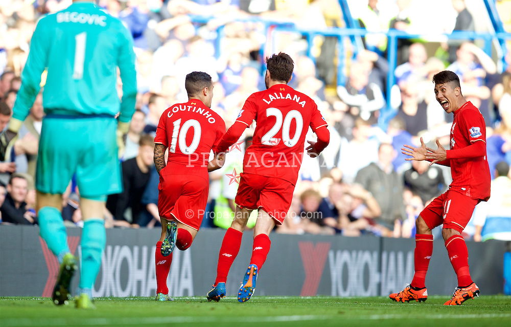LONDON, ENGLAND - Saturday, October 31, 2015: Liverpool's Philippe Coutinho Correia celebrates scoring the first equalising goal against Chelsea in the third minute of injury time of the first half during the Premier League match at Stamford Bridge. (Pic by David Rawcliffe/Propaganda)