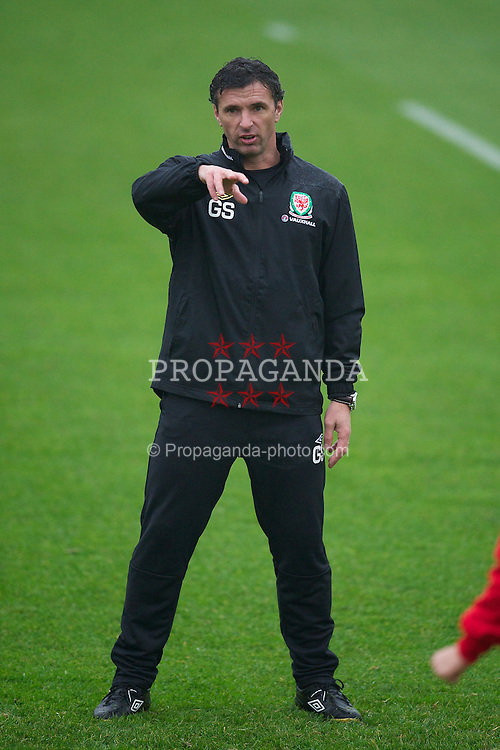 CARDIFF, WALES - Tuesday, November 8, 2011: Wales' manager Gary Speed MBE during a training session at the Vale of Glamorgan Hotel ahead of the friendly match against Norway. (Pic by David Rawcliffe/Propaganda)