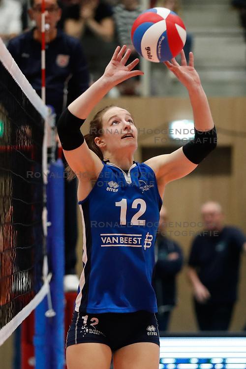 20180218 NED: Bekerfinale Eurosped - Sliedrecht Sport, Hoogeveen <br />Lisa Vossen (12) of Sliedrecht Sport <br />©2018-FotoHoogendoorn.nl