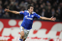 13.12.2011, Arena auf Schalke, Gelsenkirchen, GER, 1.FBL, Schalke 04 vs Werder Bremen, im BildTorjubel/ Jubel Raul (Schalke #7) nach dem 3:0. // during the 1.FBL, Schalke 04 vs Werder Bremen on 2011/12/17, Arena auf Schalke, Gelsenkirchen, Germany. EXPA Pictures © 2011, PhotoCredit: EXPA/ nph/ Mueller..***** ATTENTION - OUT OF GER, CRO *****
