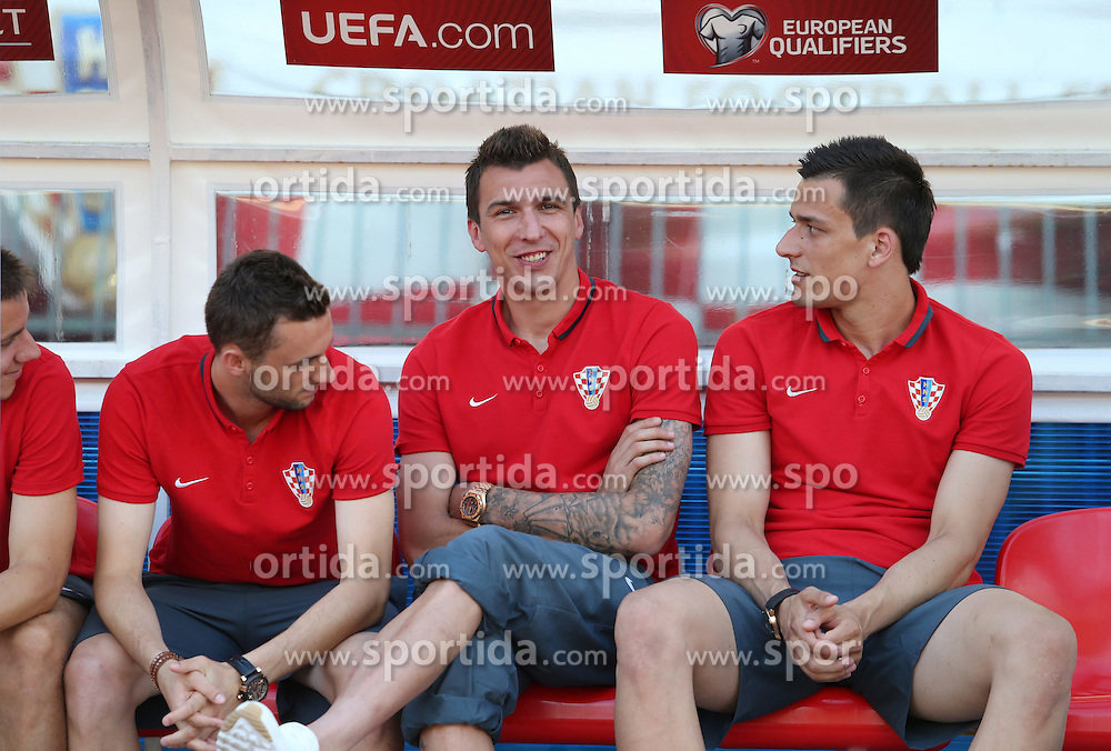 12.06.2015, Stadion Poljud, Split, CRO, UEFA Euro 2016 Qualifikation, Kroatien vs Italien, Gruppe H, im Bild Nogometasi uoci utakmice. Mario Mandzukic, Lovre Kalinic // during the UEFA EURO 2016 qualifier group H match between Croatia and and Italy at the Stadion Poljud in Split, Croatia on 2015/06/12. EXPA Pictures &copy; 2015, PhotoCredit: EXPA/ Pixsell/ Ivo Cagalj<br /> <br /> *****ATTENTION - for AUT, SLO, SUI, SWE, ITA, FRA only*****