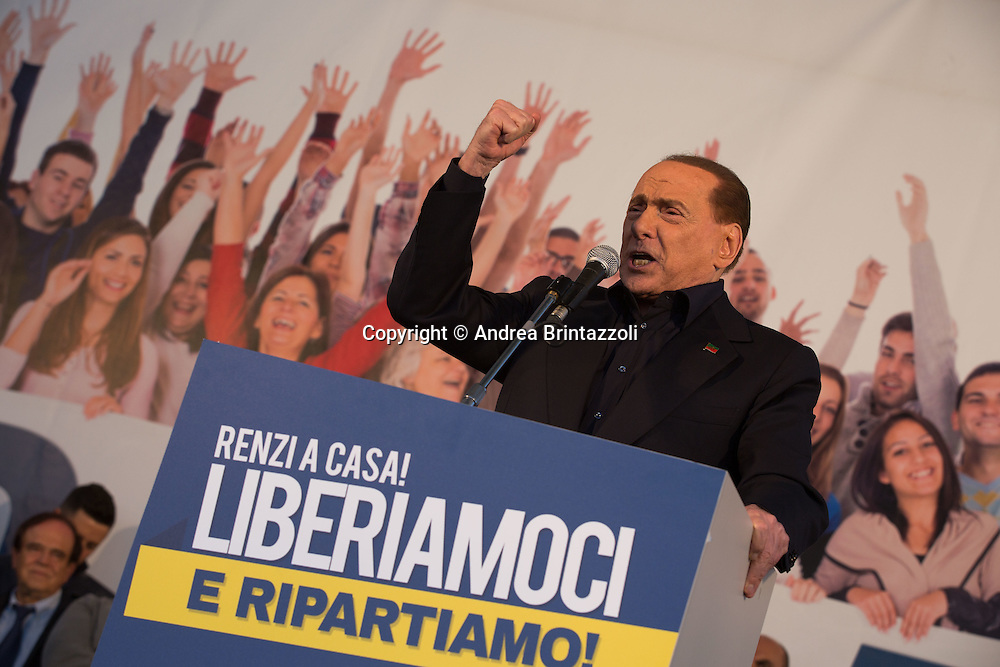 Bologna 08/11/2015 Manifestazione Lega Nord Liberiamoci e ripartiamo! <br /> Nella Foto: Silvio Berlusconi Presidente di Forza Italia