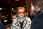 LADY ANTONIA FRASER, Santa Sebag Montefiore and Asprey's host a book launch for Jerusalem: the Biography by Simon Sebag Montefiore. Asprey. New Bond St. London. 26 January 2010. -DO NOT ARCHIVE-© Copyright Photograph by Dafydd Jones. 248 Clapham Rd. London SW9 0PZ. Tel 0207 820 0771. www.dafjones.com.
