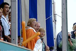 27-08-2006: VOLLEYBAL: NESTEA EUROPEAN CHAMPIONSHIP BEACHVOLLEYBALL: SCHEVENINGEN<br /> Beschermvrouwe EK Beachvolleybal Erica Terpstra<br /> ©2006-WWW.FOTOHOOGENDOORN.NL