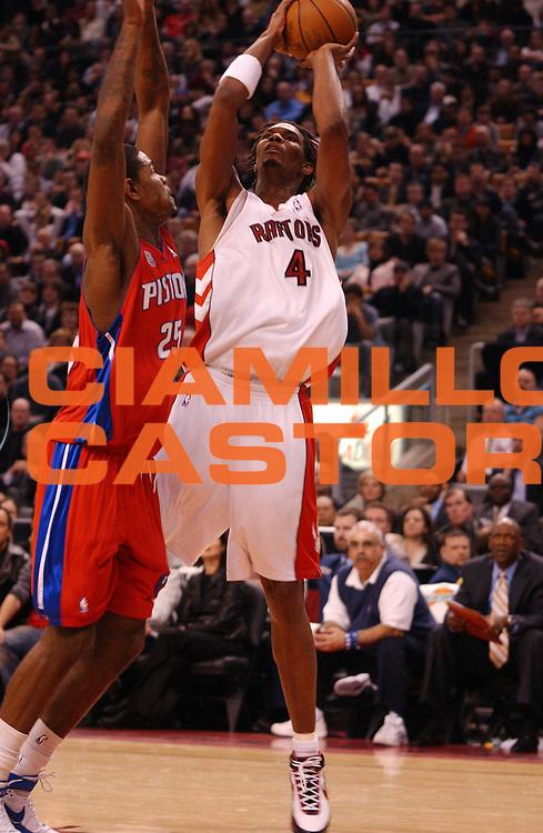 DESCRIZIONE : Toronto Campionato NBA 2007-2008 Toronto Raptors Detroit Pistons<br /> GIOCATORE : Chris Bosh<br /> SQUADRA : Toronto Raptors Detroit Pistons<br /> EVENTO : Campionato NBA 2007-2008 <br /> GARA : Toronto Raptors Detroit Pistons<br /> DATA : 26/03/2008 <br /> CATEGORIA : tiro<br /> SPORT : Pallacanestro <br /> AUTORE : Agenzia Ciamillo-Castoria/V.Keslassy<br /> Galleria : NBA 2007-2008 <br /> Fotonotizia : Toronto Campionato NBA 2007-2008 Toronto Raptors Detroit Pistons<br /> Predefinita : si