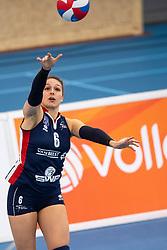 20-01-2019 NED: Talent Team Papendal - Sliedrecht Sport, Ede<br /> Round 15 of Eredivisie volleyball. Sliedrecht Sport win 3-0 (14-25, 14-25, 20-25) of Talent Team / Fleur Savelkoel #6 of Sliedrecht Sport
