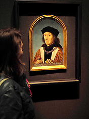 SEP 11 2014 Tudors Kings and Queens Exhibition