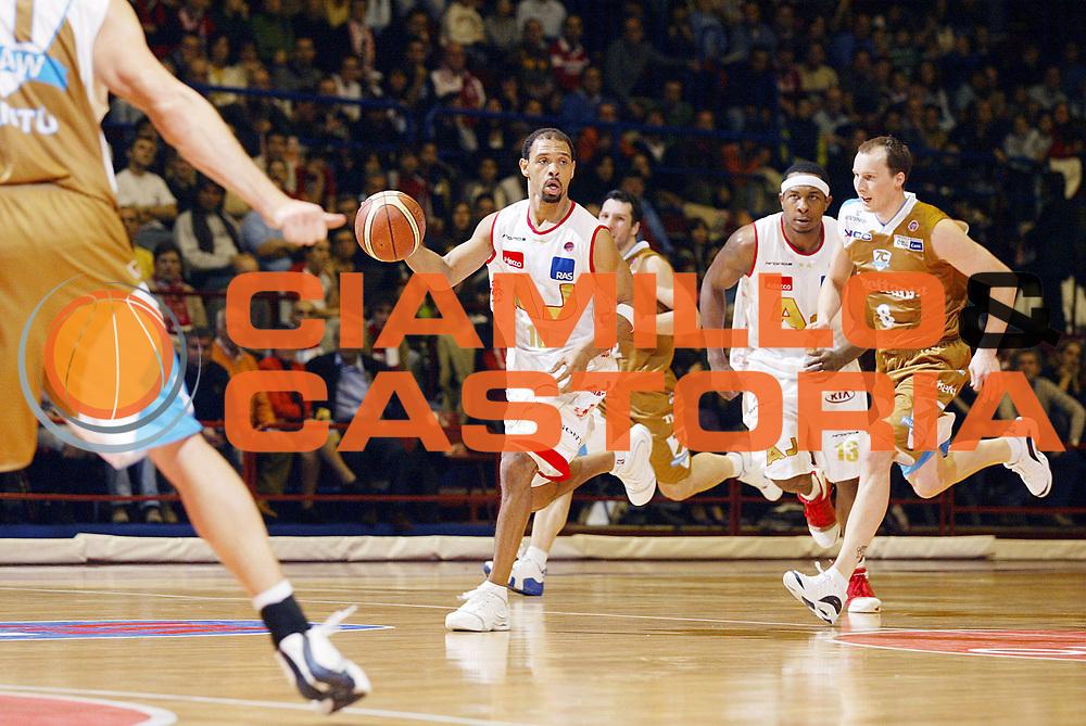 DESCRIZIONE : Milano Lega A1 2006-07 Armani Jeans Milano Tisettanta Cantu<br /> GIOCATORE : Garris<br /> SQUADRA : Armani Jeans Milano<br /> EVENTO : Campionato Lega A1 2006-2007 <br /> GARA : Armani Jeans Milano Tisettanta Cantu <br /> DATA : 26/11/2006 <br /> CATEGORIA : Palleggio<br /> SPORT : Pallacanestro <br /> AUTORE : Agenzia Ciamillo-Castoria/G.Cottini