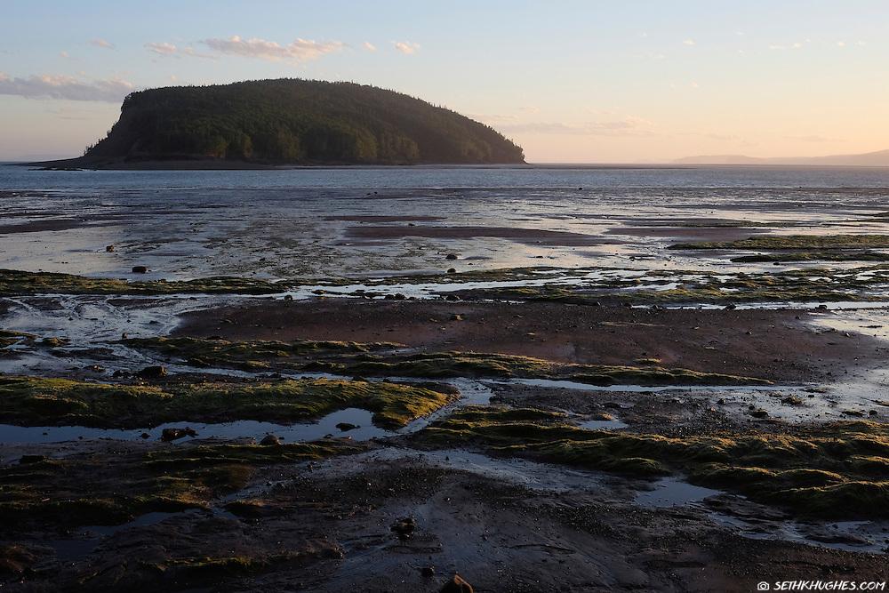 Bay of Fundy, Five Islands Provincial Park, Nova Scotia, Canada