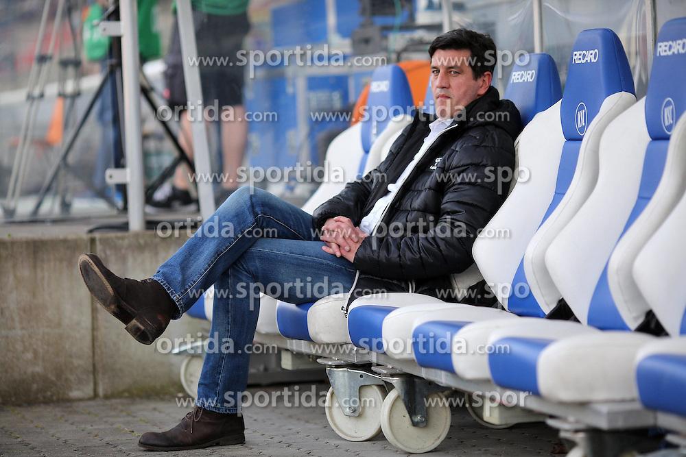 10.04.2015, Wildparkstadion, Karlsruhe, GER, 2. FBL, Karlsruher SC vs FC St. Pauli, 28. Runde, im Bild Jens Todt (Sportdirektor/Karlsruher SC) sitzt auf der Ersatzbank // during the 2nd German Bundesliga 28th round match between Karlsruher SC and FC St. Pauli at the Wildparkstadion in Karlsruhe, Germany on 2015/04/10. EXPA Pictures &copy; 2015, PhotoCredit: EXPA/ Eibner-Pressefoto/ Bermel<br /> <br /> *****ATTENTION - OUT of GER*****