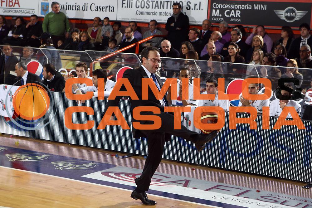 DESCRIZIONE : Caserta Lega A 2009-10 Pepsi Caserta Sigma Coatings Montegranaro<br /> GIOCATORE : Stefano Sacripanti<br /> SQUADRA : Pepsi Caserta<br /> EVENTO : Campionato Lega A 2009-2010 <br /> GARA : Pepsi Caserta Sigma Coatings Montegranaro<br /> DATA : 07/02/2010<br /> CATEGORIA : curiosita ritratto<br /> SPORT : Pallacanestro <br /> AUTORE : Agenzia Ciamillo-Castoria/E.Castoria<br /> Galleria : Lega Basket A 2009-2010 <br /> Fotonotizia : Caserta Campionato Italiano Lega A 2009-2010 Pepsi Caserta Sigma Coatings Montegranaro<br /> Predefinita :