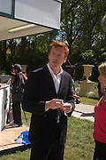 Damian Lewis. Royal Horticultural Society's Chelsea Flower Show, Royal Hospital's grounds. Chelsea. 23 May 2005.  ONE TIME USE ONLY - DO NOT ARCHIVE  © Copyright Photograph by Dafydd Jones 66 Stockwell Park Rd. London SW9 0DA Tel 020 7733 0108 www.dafjones.com