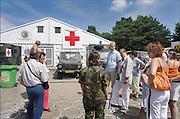 Nijmegen, 17-7-2005Heumensoord, buurbewoners Brakkenstein krijgen een rondleiding.Foto: Flip Franssen