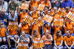 24-08-2017 NED: World Qualifications Netherlands - Czech Republic, Rotterdam<br /> De Nederlandse volleybalsters hebben op het WK-kwalificatietoernooi ook hun derde duel gewonnen. Oranje versloeg in het Topsportcentrum in Rotterdam Tsjechi&euml; in drie sets: 25-18, 25-22 en 25-18. Oranje support publiek, block boards item
