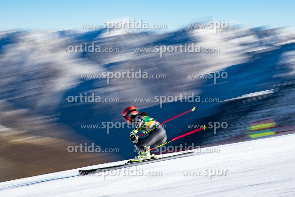 22.10.2016, Rettenbachferner, Soelden, AUT, FIS Weltcup Ski Alpin, Soelden, Riesenslalom, Damen, 1. Durchgang, im Bild Coralie Frasse Sombet (FRA) // Coralie Frasse Sombet of France in action during 1st run of ladies Giant Slalom of the FIS Ski Alpine Worldcup opening at the Rettenbachferner in Soelden, Austria on 2016/10/22. EXPA Pictures © 2016, PhotoCredit: EXPA/ Johann Groder