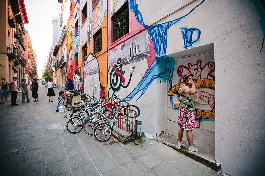 Los graffitis son parte del paisaje urbano de Malasaña. La casa palacio abrigó el Patio Maravillas hasta enero de 2010.