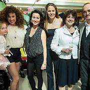 NLD/Amsterdam/20140409 - Presentatie Sam & haas fairtrade juwelenlijn, Katja Schuurman en dochter Sammie, birgit Schuurman en hun ouders, Bibi van der Velden