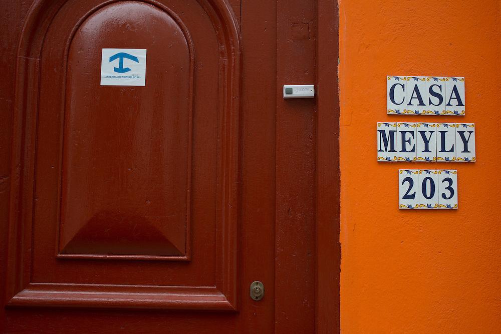 De nombreux Cubains essaient d'améliorer leur quotidien en ouvrant chez eux un petit commerce ou des chambres à louer aux touristes.