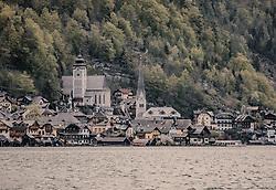 THEMENBILD - Hallstatt am Hallstätter See liegt Mitten im Herzen des Salzkammergut, aufgenommen am 24. April 2019, Hallstatt, Österreich // Hallstatt am Hallstätter See lies in the heart of the Salzkammergut region on 2019/04/24, Hallstatt, Austria. EXPA Pictures © 2019, PhotoCredit: EXPA/ Stefanie Oberhauser