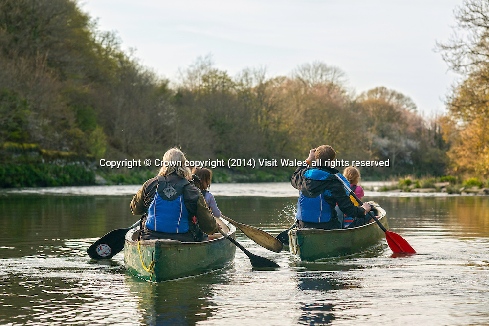 River Canoeing<br /> River Teifi<br /> Cilgerran Gorge<br /> Ceredigion<br /> Mid<br /> Water Sports<br /> Activities and Sports