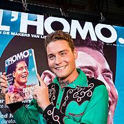 NLD/Amsterdam/20170508 - Lancering L'HOMO, bladpresentatie door  Douwe Bob