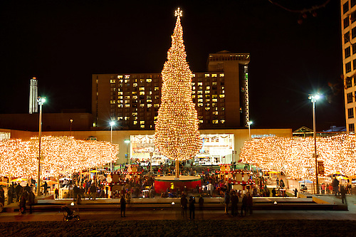 Lighting Ceremony of Mayoru0027s Christmas Tree at Crown Center Kansas City Missouri. 2014 : city of orange tree lighting - azcodes.com