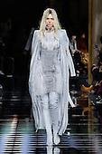 KENDALL JENNER Paris fashion