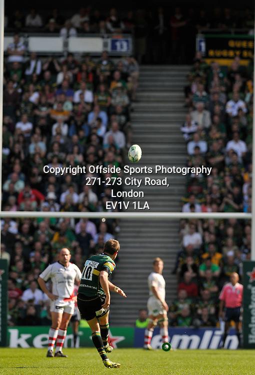 10/04/2011 - Heineken Cup Quarer Final Rugby - Northampton Saints vs Ulster - Northampton's Stephen Myler converts a penalty. - Photo: Charlie Crowhurst / Offside.