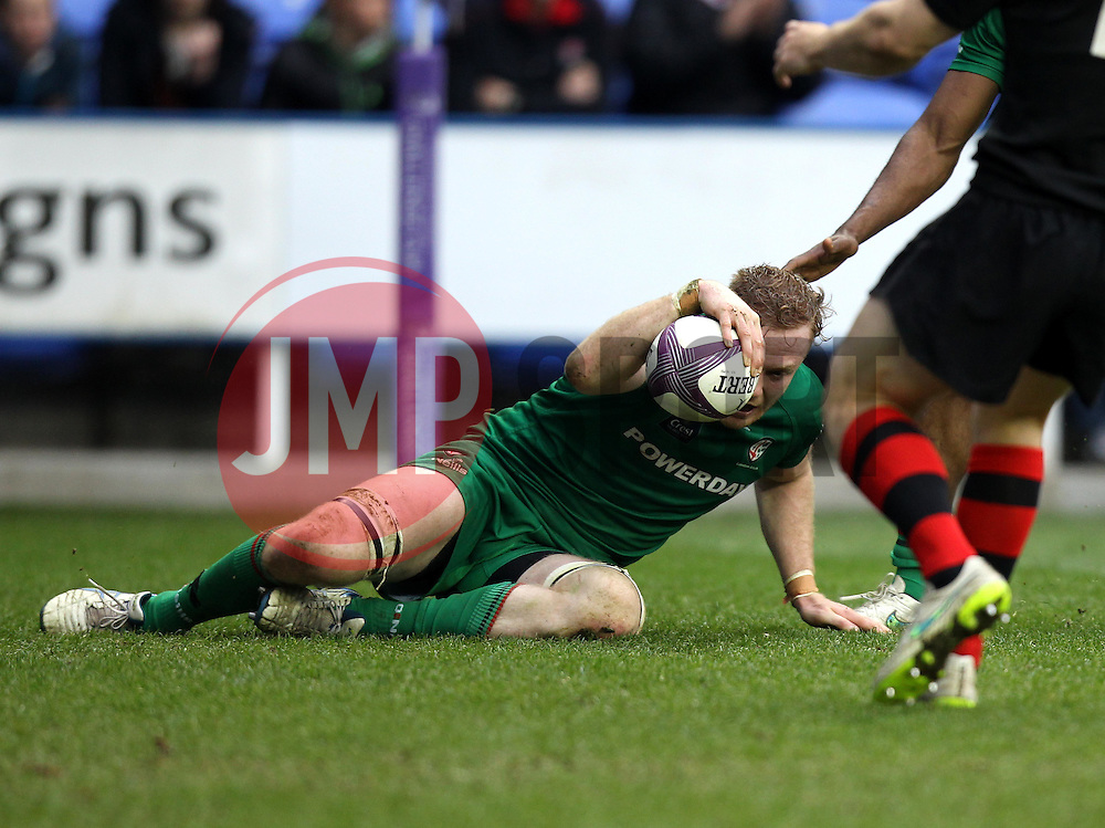 London Irish's Conor Gilsenan scores a try - Photo mandatory by-line: Robbie Stephenson/JMP - Mobile: 07966 386802 - 05/04/2015 - SPORT - Rugby - Reading - Madejski Stadium - London Irish v Edinburgh Rugby - European Rugby Challenge Cup