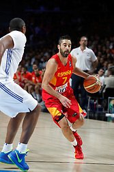 10.09.2014, Palacio de los deportes, Madrid, ESP, FIBA WM, Frankreich vs Spanien, Viertelfinale, im Bild Spain´s Navarro (R) // during FIBA Basketball World Cup Spain 2014 Quarter-Final match between France and Spain at the Palacio de los deportes in Madrid, Spain on 2014/09/10. EXPA Pictures © 2014, PhotoCredit: EXPA/ Alterphotos/ Victor Blanco<br /> <br /> *****ATTENTION - OUT of ESP, SUI*****