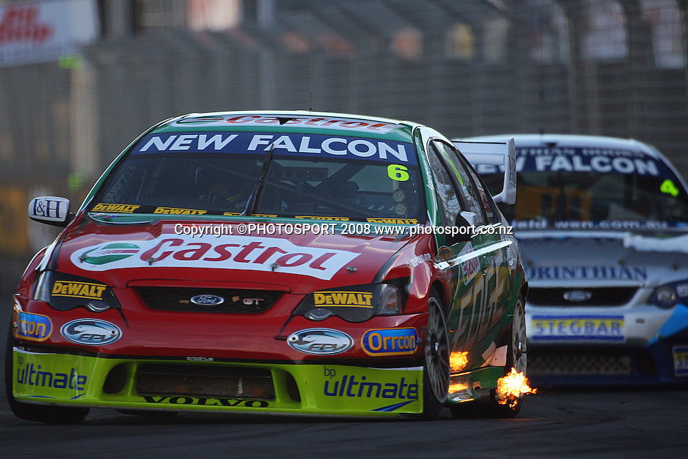 Steven Richards leads James Courtney into Turn One.<br /> Race Day. Aussie V8 Supercars Round Three, Hamilton 400, Frankton, Hamilton. Sunday, 20 April 2008<br />  2008. Photo: Dave Lintott/PHOTOSPORT