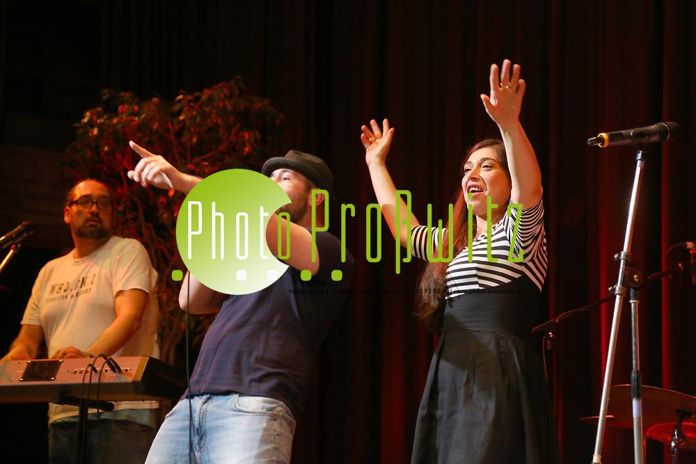 Mannheim. 20.05.17 | Kulturhaus, Konzert<br /> K&auml;fertal. Kulturhaus. Das Fest im Kulturhaus Die Party. <br /> - Tatma2Soul<br /> <br /> BILD- ID 0009 |<br /> Bild: Markus Prosswitz 20MAY17 / masterpress (Bild ist honorarpflichtig - No Model Release!)