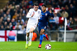 Ben Chilwell of England takes on DeAndre Yedlin of USA - Mandatory by-line: Robbie Stephenson/JMP - 15/11/2018 - FOOTBALL - Wembley Stadium - London, England - England v United States of America - International Friendly