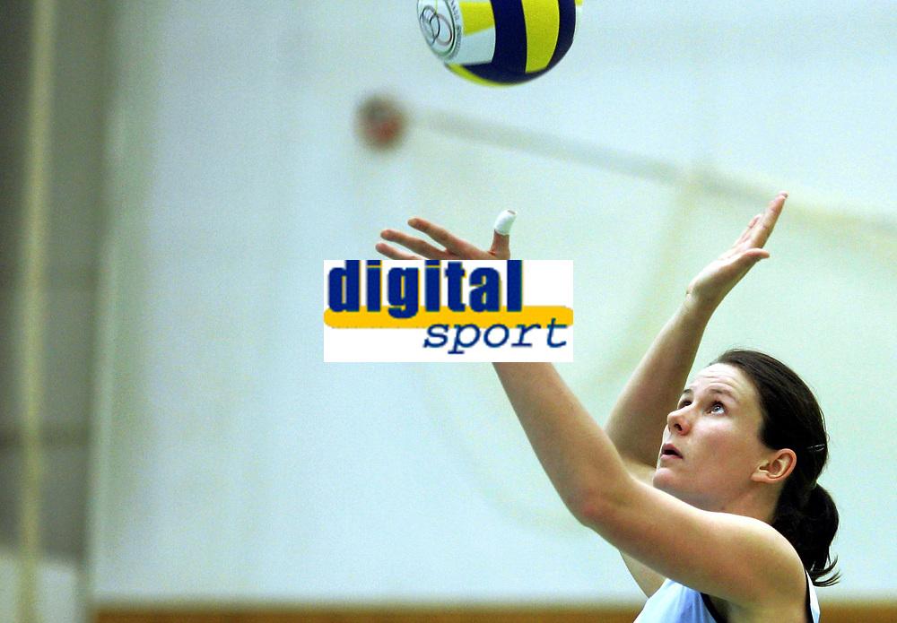Volleyball<br /> Eliteserien kvinner<br /> Koll v Blindheim 3-0<br /> 04.11.2006<br /> Foto: Morten Olsen, Digitalsport<br /> <br /> Maria Moen Stor&oslash;y - Koll