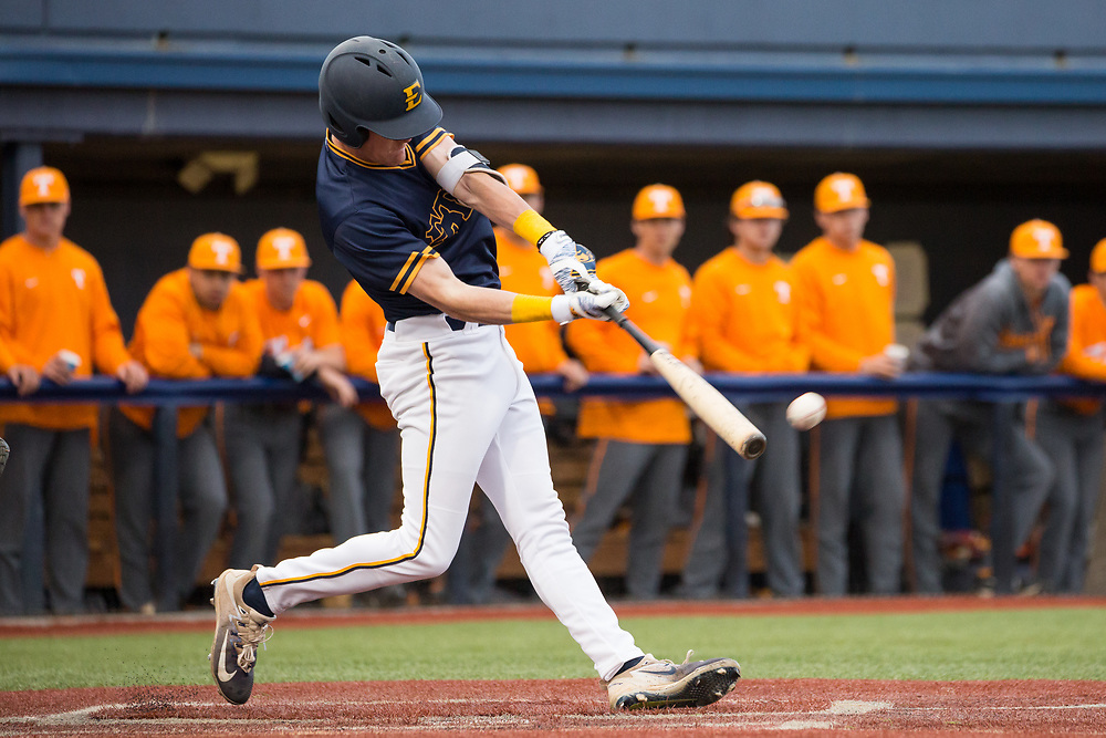 April 17, 2018 - Johnson City, Tennessee - Thomas Stadium: ETSU third baseman Cade Gilbert (10)<br /> <br /> Image Credit: Dakota Hamilton/ETSU