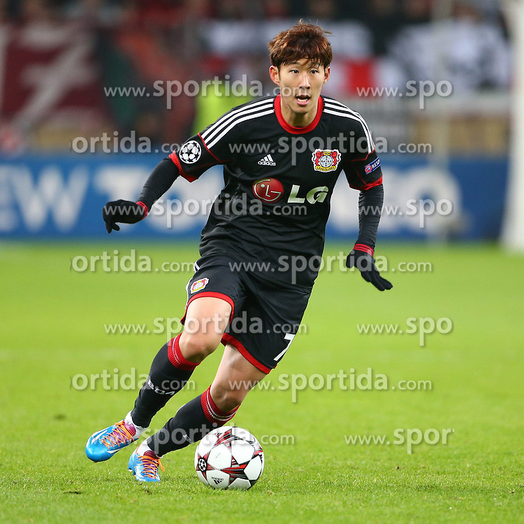 27.11.2013, BayArena, Leverkusen, GER, UEFA CL, Bayer Leverkusen vs Manchester United, Gruppe A, im Bild Heung Min Son (Bayer 04 Leverkusen), Freisteller, Aktion /Action // during UEFA Champions League group A match between Bayer Leverkusen vs Manchester United at the BayArena in Leverkusen, Germany on 2013/11/28. EXPA Pictures &copy; 2013, PhotoCredit: EXPA/ Eibner-Pressefoto/ Neis<br /> <br /> *****ATTENTION - OUT of GER*****