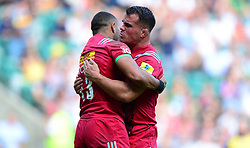 Dave Ward of Harlequins congratulates Joe Marchant of Harlequins on his try  - Mandatory by-line: Alex James/JMP - 02/09/2017 - RUGBY - Twickenham Stadium - London, England - London Irish v Harlequins - Aviva Premiership