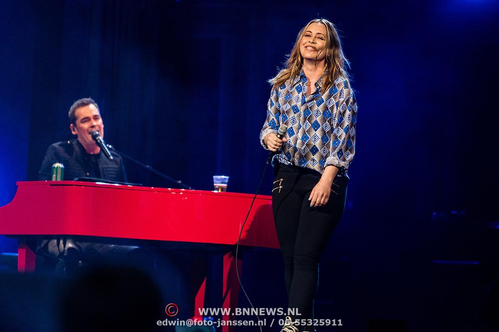 NLD/Amsterdam/20170317 - Holland zingt Hazes 2017, Anouk Teeuwe