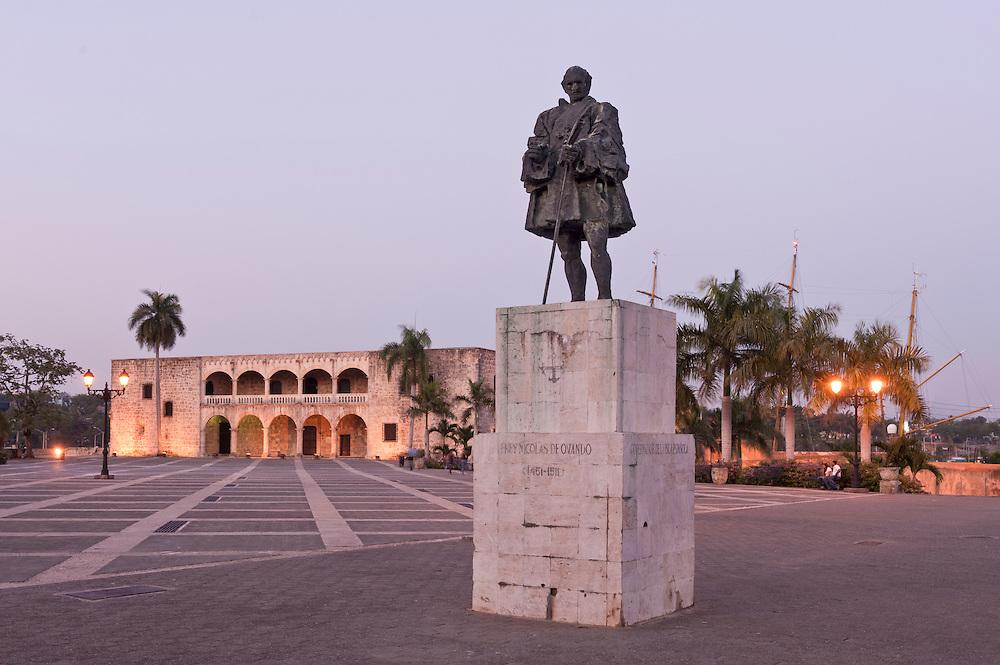 Statue of Nicolas de Ovando, Plaza Espana, Zona Colonial, Historic Center, Santo Domingo, Dominican Republic.