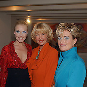 Modeshow Sheila de Vries, Denise Boekhoff, Sheila de Vries en Vivanne Boele