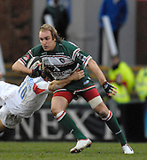 Leicester, GREAT BRITAIN,  Tigers, Andy GOODE goes through the gap Jonny Wilkinson Diving during the Guinness Premiership game, Leicester Tigers vs Newcastle Falcons at Welford Road. 26/01/2008  [Mandatory Credit Peter Spurrier/Intersport Images]
