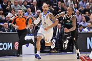 DESCRIZIONE : Eurolega Euroleague 2014/15 Gir.A Dinamo Banco di Sardegna Sassari - Nizhny Novgorod<br /> GIOCATORE : David Logan<br /> CATEGORIA : Palleggio Contropiede<br /> SQUADRA : Dinamo Banco di Sardegna Sassari<br /> EVENTO : Eurolega Euroleague 2014/2015<br /> GARA : Dinamo Banco di Sardegna Sassari - Nizhny Novgorod<br /> DATA : 21/11/2014<br /> SPORT : Pallacanestro <br /> AUTORE : Agenzia Ciamillo-Castoria / Luigi Canu<br /> Galleria : Eurolega Euroleague 2014/2015<br /> Fotonotizia : Eurolega Euroleague 2014/15 Gir.A Dinamo Banco di Sardegna Sassari - Nizhny Novgorod<br /> Predefinita :