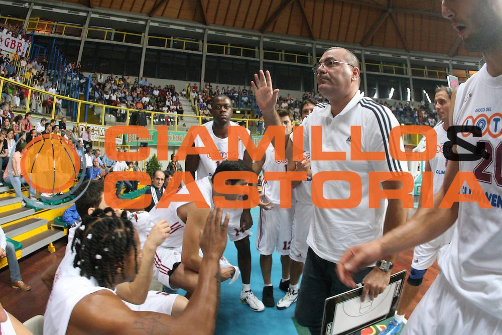 DESCRIZIONE : Busto Arsizio Precampionato Lega A1 2006-07 Trofeo Dream Team Whirlpool Varese Lottomatica Virtus Roma <br /> GIOCATORE : Team Roma Repesa <br /> SQUADRA : Lottomatica Virtus Roma <br /> EVENTO : Precampionato Lega A1 2006-2007 Trofeo Dream Team <br /> GARA : Whirlpool Varese Lottomatica Virtus Roma <br /> DATA : 24/09/2006 <br /> CATEGORIA : Timeout <br /> SPORT : Pallacanestro <br /> AUTORE : Agenzia Ciamillo-Castoria/G.Ciamillo