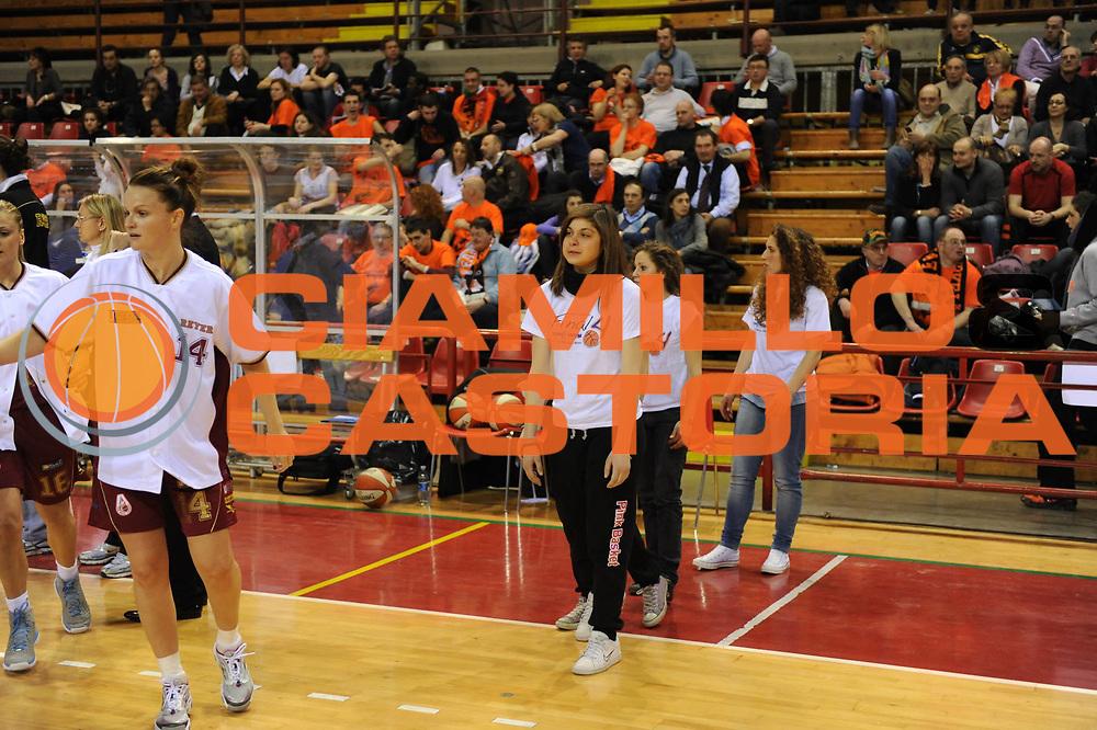 DESCRIZIONE : Perugia Lega A1 Femminile 2010-11 Coppa Italia Semifinale Liomatic Umbertide Umana Reyer Venezia<br /> GIOCATORE : Presentazione Squadre Con Bambini Sponsor<br /> SQUADRA : Liomatic Umbertide Umana Reyer Venezia<br /> EVENTO : Campionato Lega A1 Femminile 2010-2011 <br /> GARA : Liomatic Umbertide Umana Reyer Venezia<br /> DATA : 12/03/2011 <br /> CATEGORIA : <br /> SPORT : Pallacanestro <br /> AUTORE : Agenzia Ciamillo-Castoria/M.Marchi<br /> Galleria : Lega Basket Femminile 2010-2011 <br /> Fotonotizia : Perugia Lega A1 Femminile 2010-11 Coppa Italia Semifinale Liomatic Umbertide Umana Reyer Venezia<br /> Predefinita :