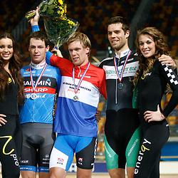 Podium NK puntenkoers mannen kampioen Wim Stroetinga, 2e Raymond Kreder en 3e Tim Veldt