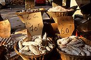 France. Lyon . St Antoine quays market  Lyon  France     /  marche  quai st Antoine  Lyon  France    /      L931107a  /  R1063  /  P116673