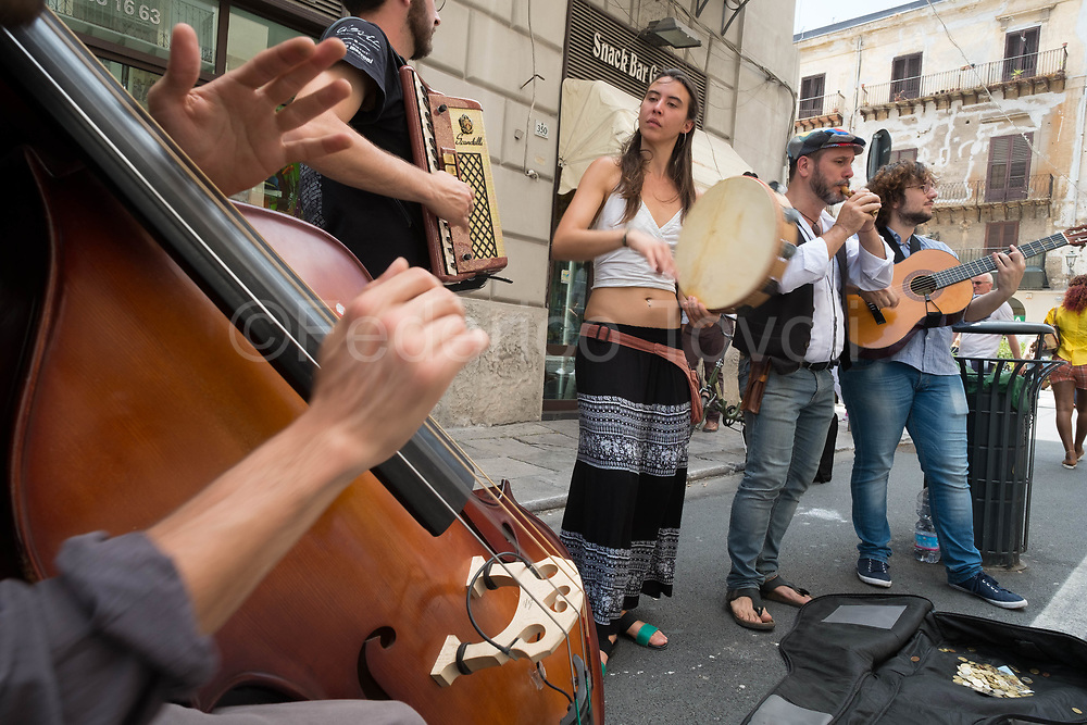 Street musicians in the Cathedral area