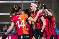LAREN - Hockey -  Competitie Hoofdklasse Hockey dames : Laren-Oranje Rood (3-1). Yibbi Jansen (Oranje-Rood) heeft 0-1 gescoord. COPYRIGHT KOEN SUYK