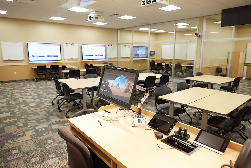 Buildings; Centennial; Location; Inside; Classroom; Objects; Computer; UWL UW-L UW-La Crosse University of Wisconsin-La Crosse
