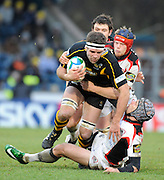 Twickenham, GREAT BRITAIN, Wasps', Joe WORSLEY tackled from behind by Scott NEWLANDS and low by Simon WEBSTER,  during the Heineken Cup Rugby Pool 2. Match, London Wasps vs Edinburgh , played at Adams Park, Wycombe, Buck, on Sun. 14.12.2008.  [Photo, Peter Spurrier/Intersport-images]